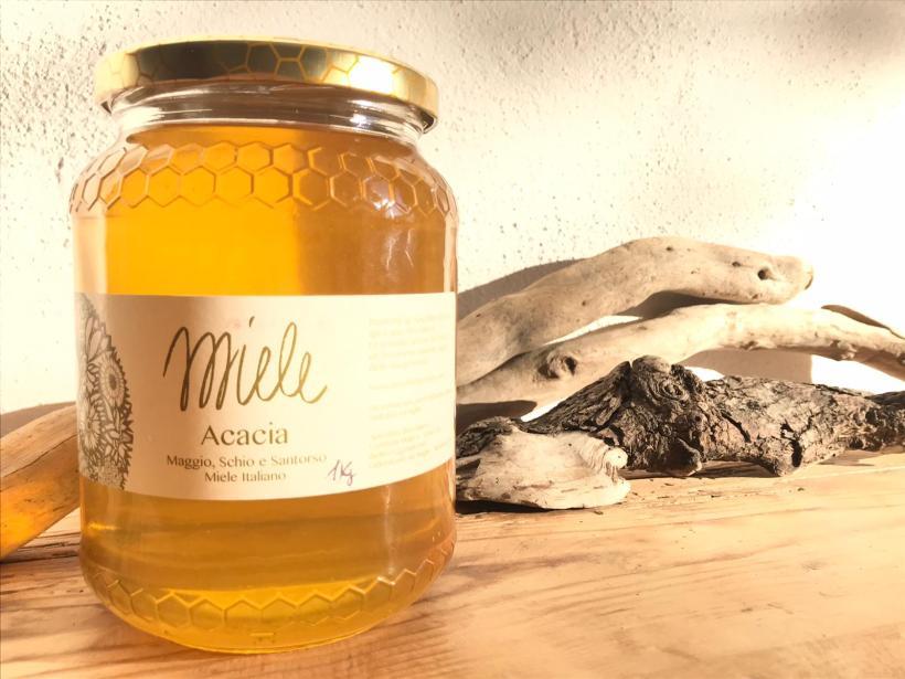 apicoltura-rilievo-miele-acacia